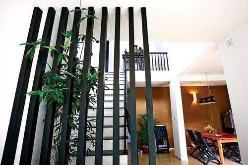 mẫu vách ngăn cầu thang 4
