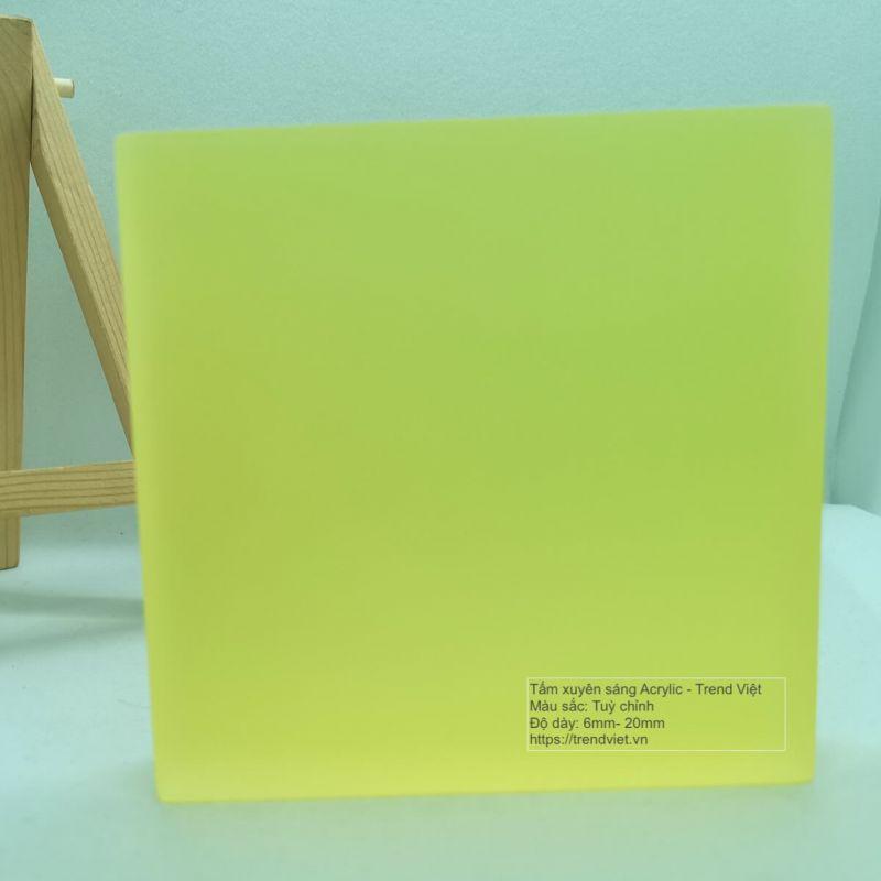 Tấm xuyên sáng Acrylic yellow 1 post web